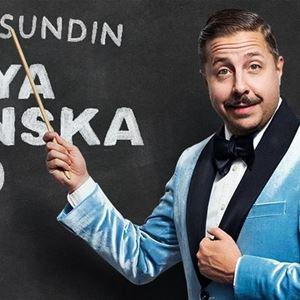 © Copy: https://www.facebook.com/DavidSundinHaHa/photos/p.1709912465811068/1709912465811068/?type=1&theater, FRAMFLYTTAD - Nya Svenska Ord - En humorföreställning med David Sundin