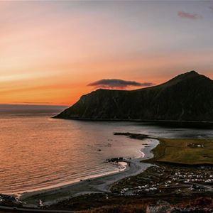 © Lofoten Beach Camp, Lofoten Beach Camp oversikt Flakstadstranda