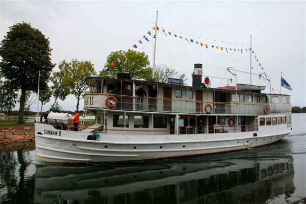 Lunch cruise on board M/S Sunnan II