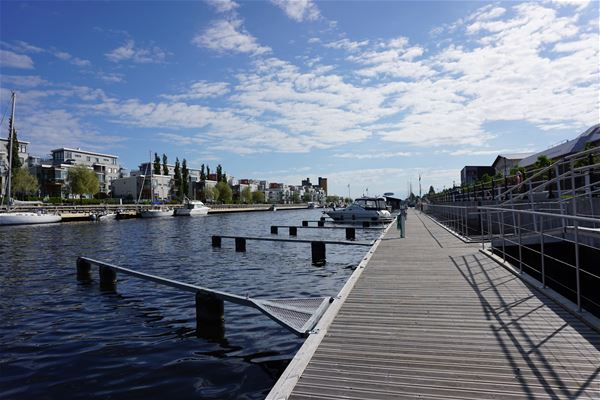 Evelina Widerberg, Gävle gästhamn, gästhamnsbrygga, y-bommar, båt