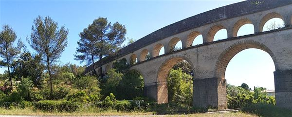 From Peyrou to Pic St Loup, follow the aqueduct with Wisud