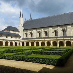 Abbaye Royale de Fontevraud et son conservatoire du choux