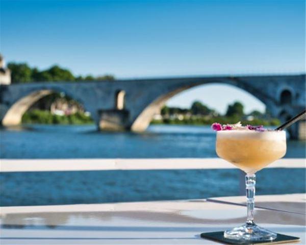 Bar à Cocktails flottant