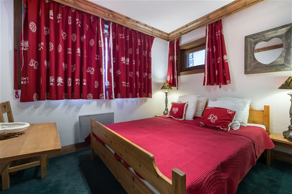 3 rooms cabin (4 adults + 2 children) / BACHAL 1A (mountain of charm)