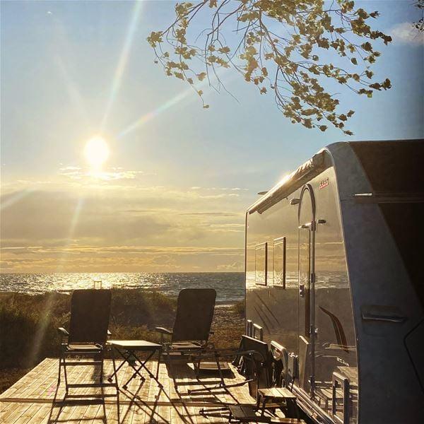 Tofta Camping - Husvagn/husbilsplats - Havsnära Grön