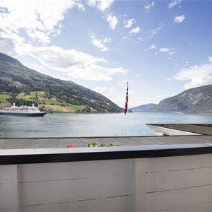Olden Fjordhotel