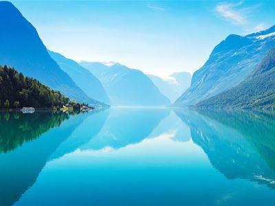 Tilbring haustferien i Nordfjord!