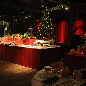 Ångbåtsbrygganin Joulupöytä