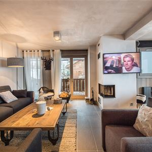 3 rooms 6 people / SIMMENTAL (Mountain of Dream)