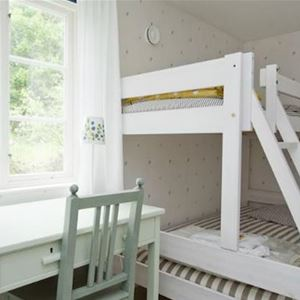 Bed room with bunk bed