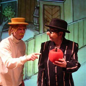 INSTÄLLT Teater - Sagan om det röda äpplet