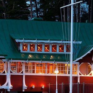 Ravintola ÅSS Paviljongenin joulupöytä