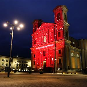 Stefan Andersson, Fredikskyrkan belyst i rött ljus