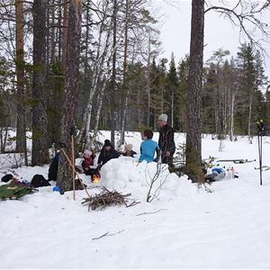 Kristina Lillpers, Rakt ut i snön
