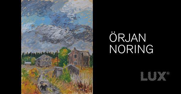 © Copy: https://www.facebook.com/events/742952179975339/, Gråa gamla hus med höstfärger runt omkring