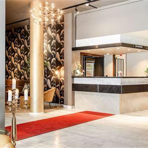 Palm Tree Hotel