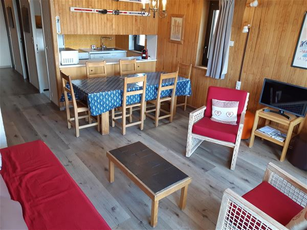 3 rooms 8 people ski-in ski-out / OURSE BLEUE 709 (Mountain) / Tranquillity Booking