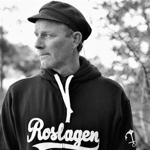 """Stadsvandring med John Ajvide-Lindqvist – i """"Vänlighetens"""" spår"""