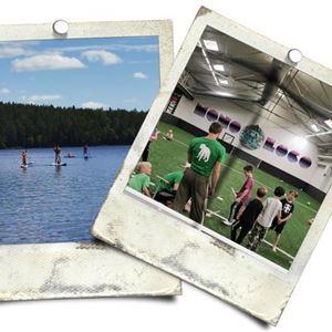 Två vykort, ett föreställande personer på SUP brädor i sjö, det andrabarn och ledare i en inomhushall.