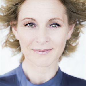 © Tina Axelson, Profilbild på Helene Sjöblom