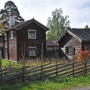 Rättviks gammelgård från sidan.