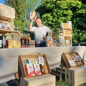 Italiensk matmarknad i Norrtälje