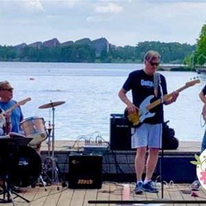 Möckelsnäs Trädgård: The Blues Twisters