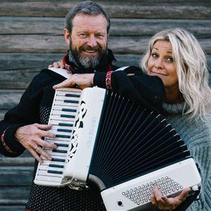 Julkonsert med Tina Ahlin, Bengan Jansson och Roslagens Vokalensemble