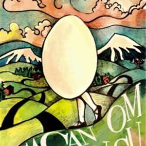En färgglad teckning, ett ägg med kvinnoben, går på en väg, i bakgrunden snötäckta berg och rosa moln.