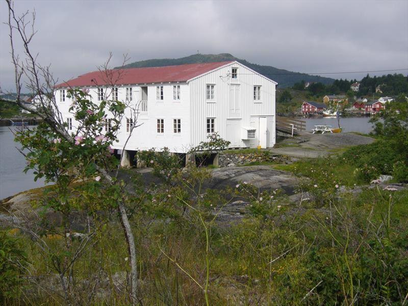 Amundøy fisherman's cabin