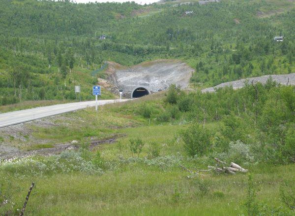 © Hemavan Tärnaby PR-föreningen, E 12 Blå vägen mot Riksgränsen och Norge och vägen in mot Okstindarne