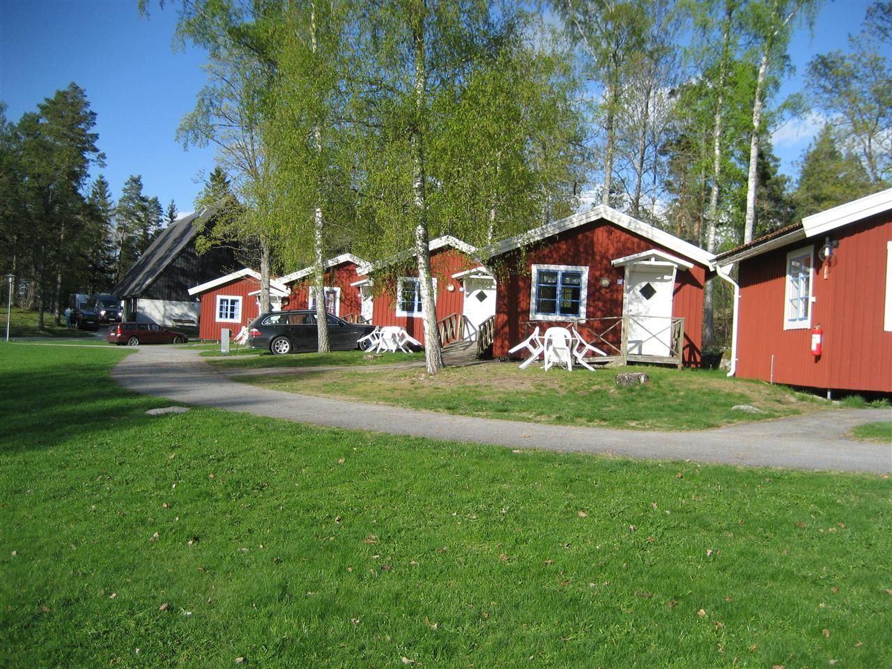 Hjälmargården & Läppe Camping / Stugor