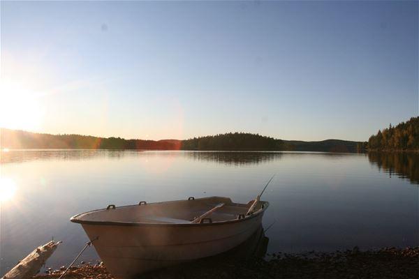 Sjönära stuga vid sjön Rösjön, 8 bäddar, 19 m2