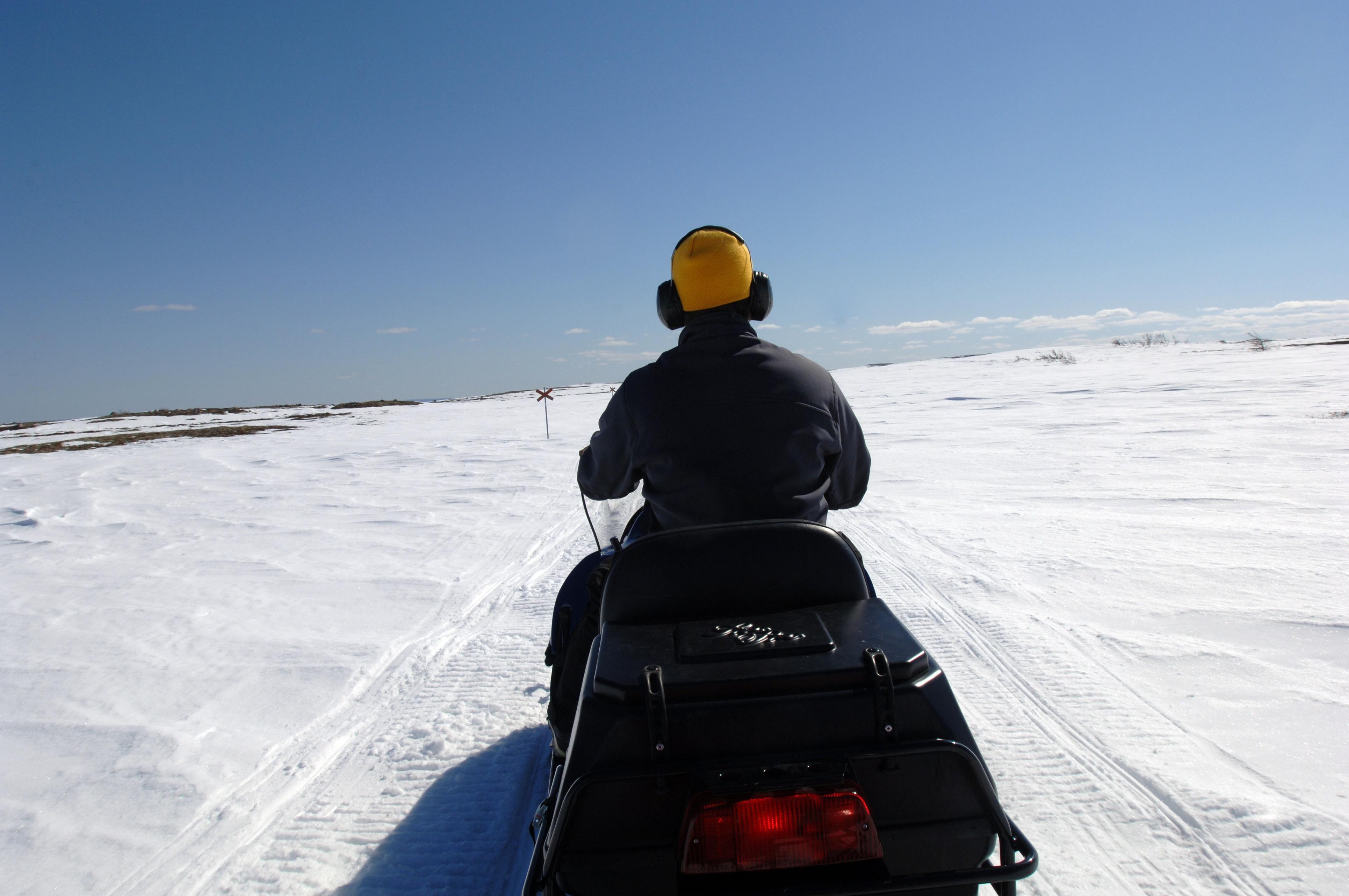 Nisse Schmidt, Snöskoterupplevelser