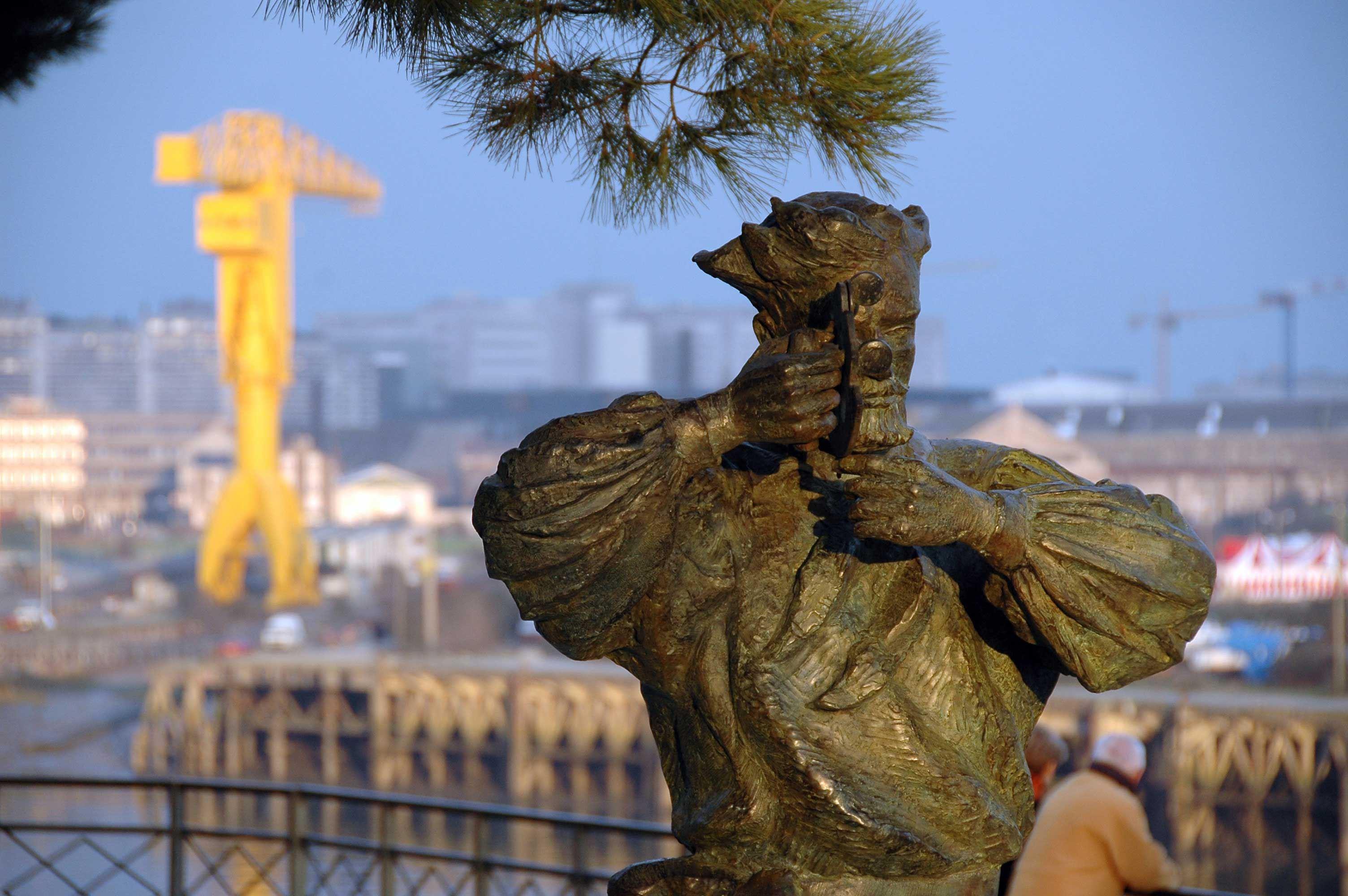 Monument à Jules Verne