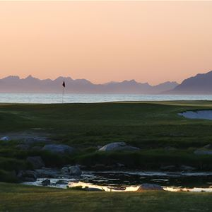 Lofoten Links, Cabin