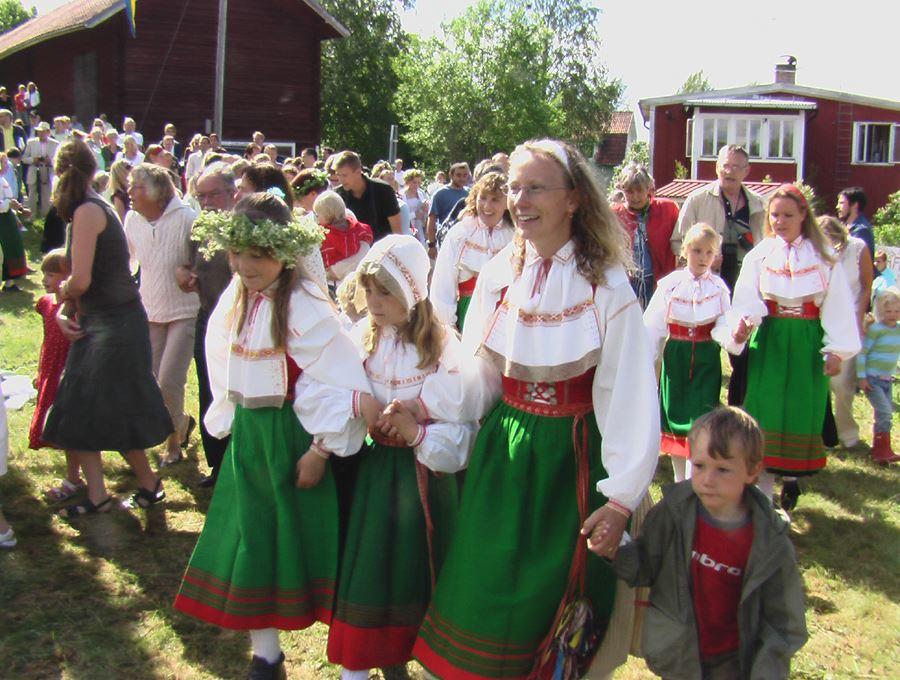Midsummer celebration in Stackmora.
