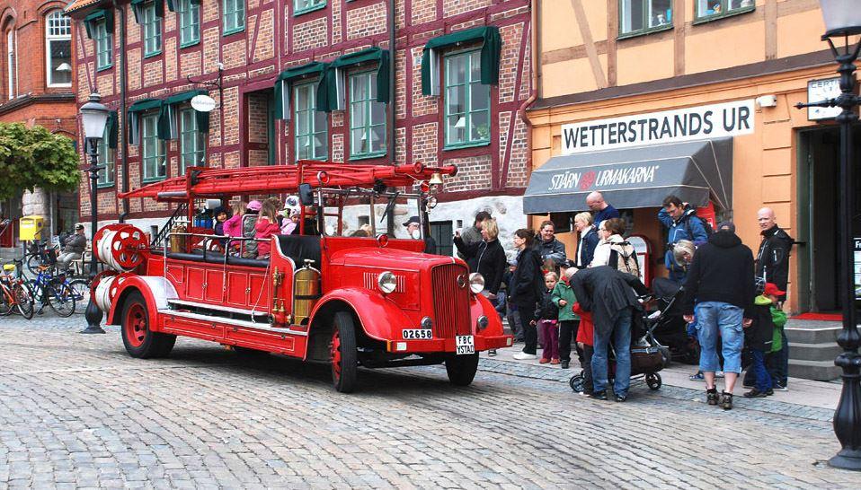 Lär känna Ystad från en veteranbrandbil