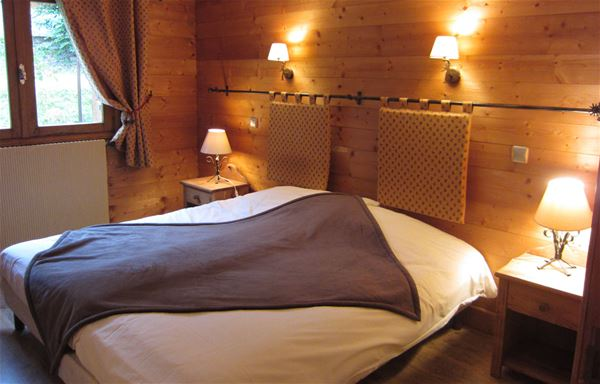3 rooms 4 people 50m from the ski slopes / ARRAYANES (mountain of charm)