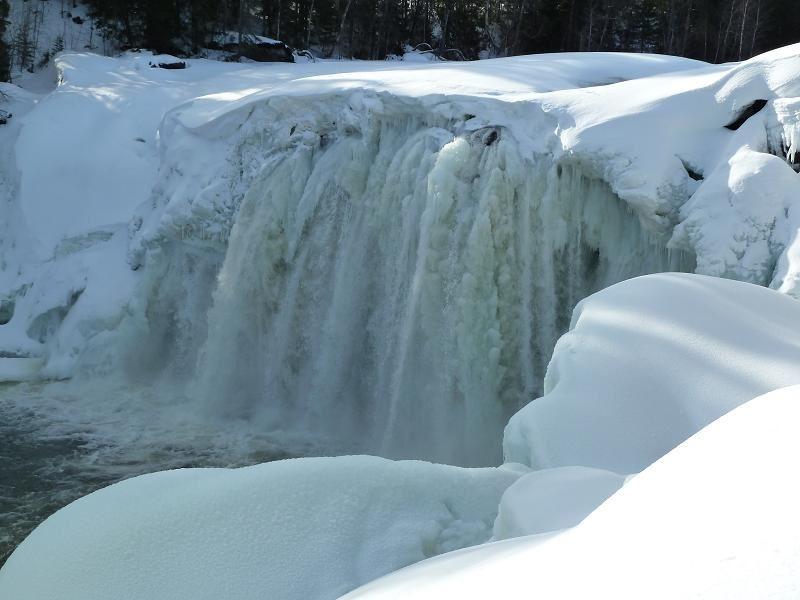 Isklättring med besök i is och kalkstensgrottor