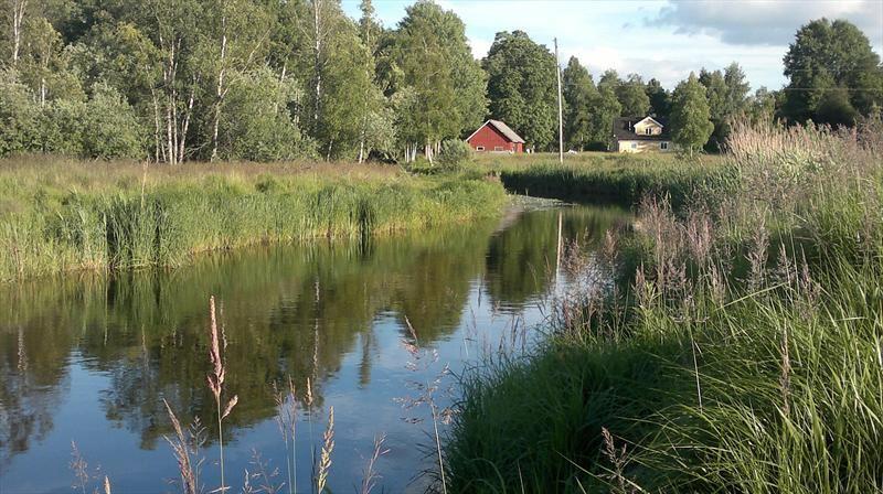 Canoe trail Helge creek