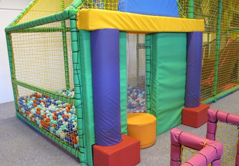 Buslandet: Indoor play center