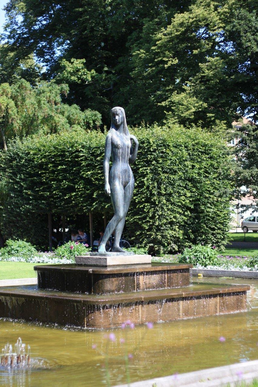 Statue - Blekingeflickan