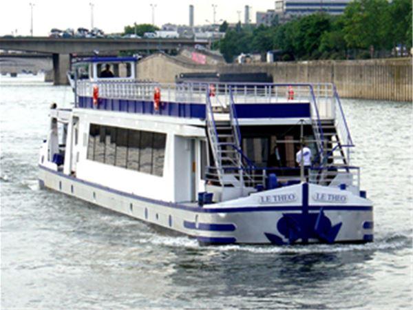 """Croisière Journée à bord du bateau """"Chansonnier ou Théo"""""""
