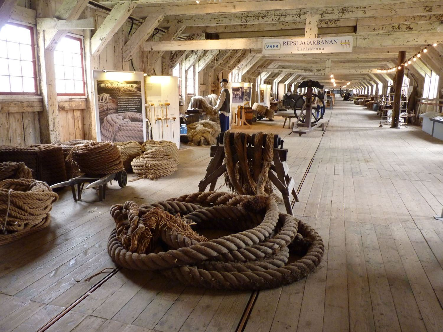 Guided tours - The old Navy Shipyard with ropemaking
