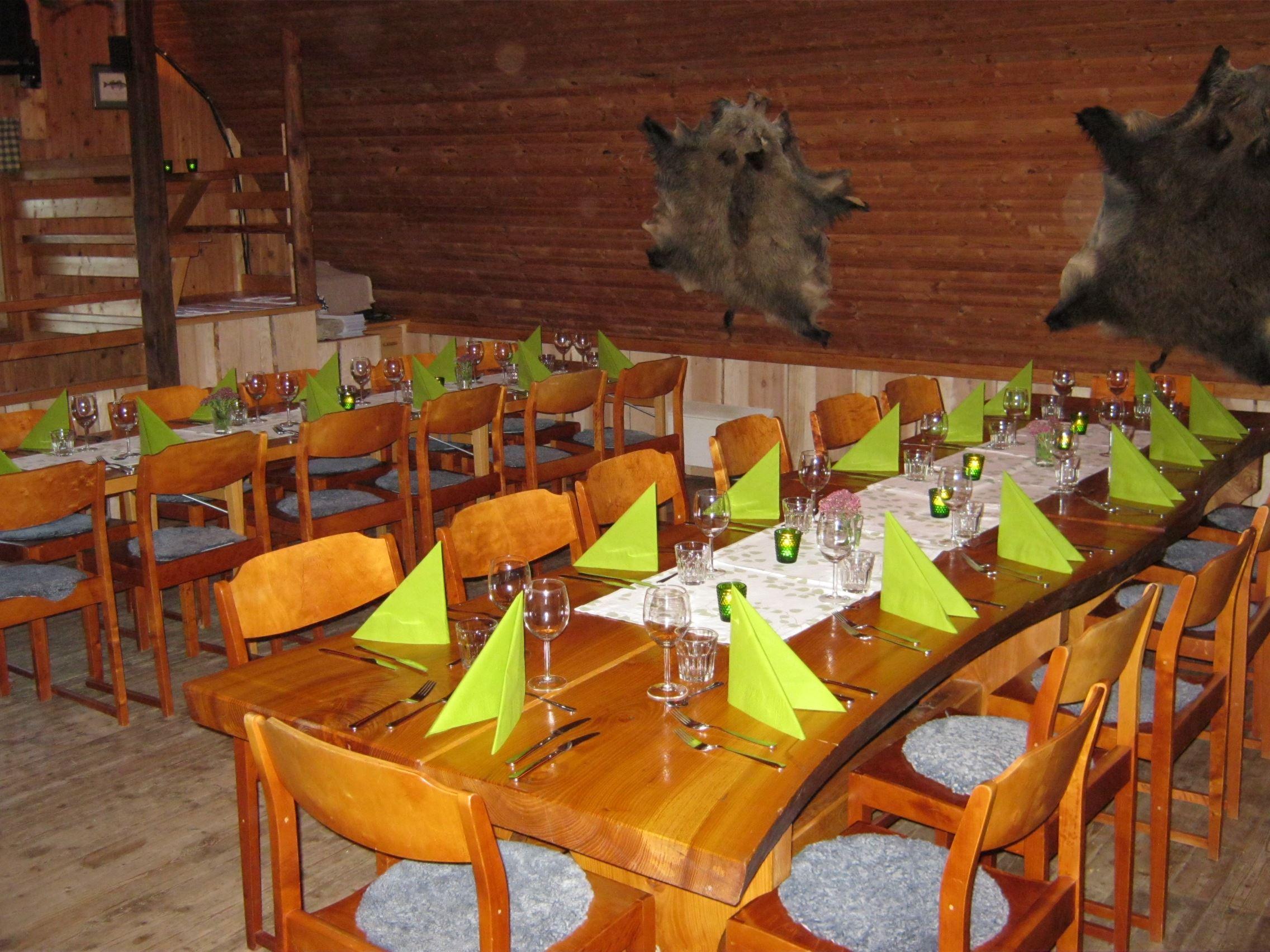 Getnö Gård - Lake Åsnen Resort, Sommar-Bistro och Viltrestaurang