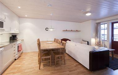 6-bed apartment (B1)