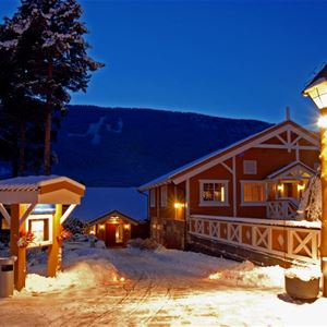 Esben Haakenstad,  © Hafjell Resort, Christmas at Hafjell Hotel in Lillehammer region.