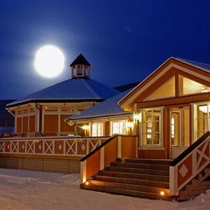 © Hafjell Resort, Hafjell Hotel at night time during Christmas