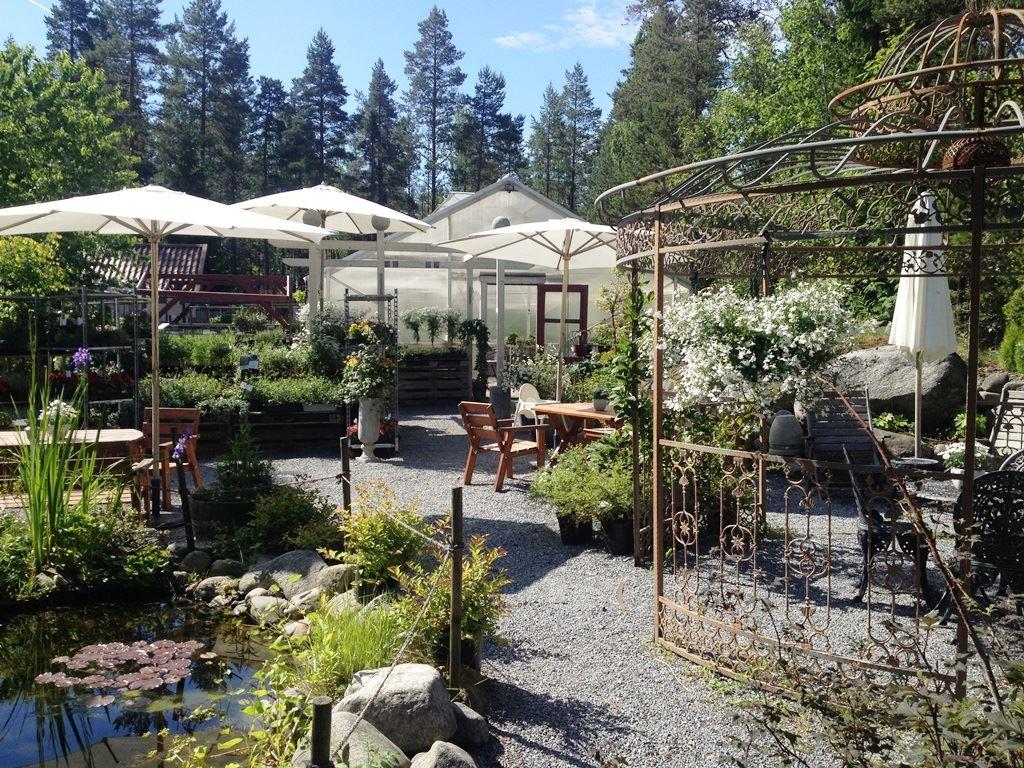 Smultronstället-garden and café
